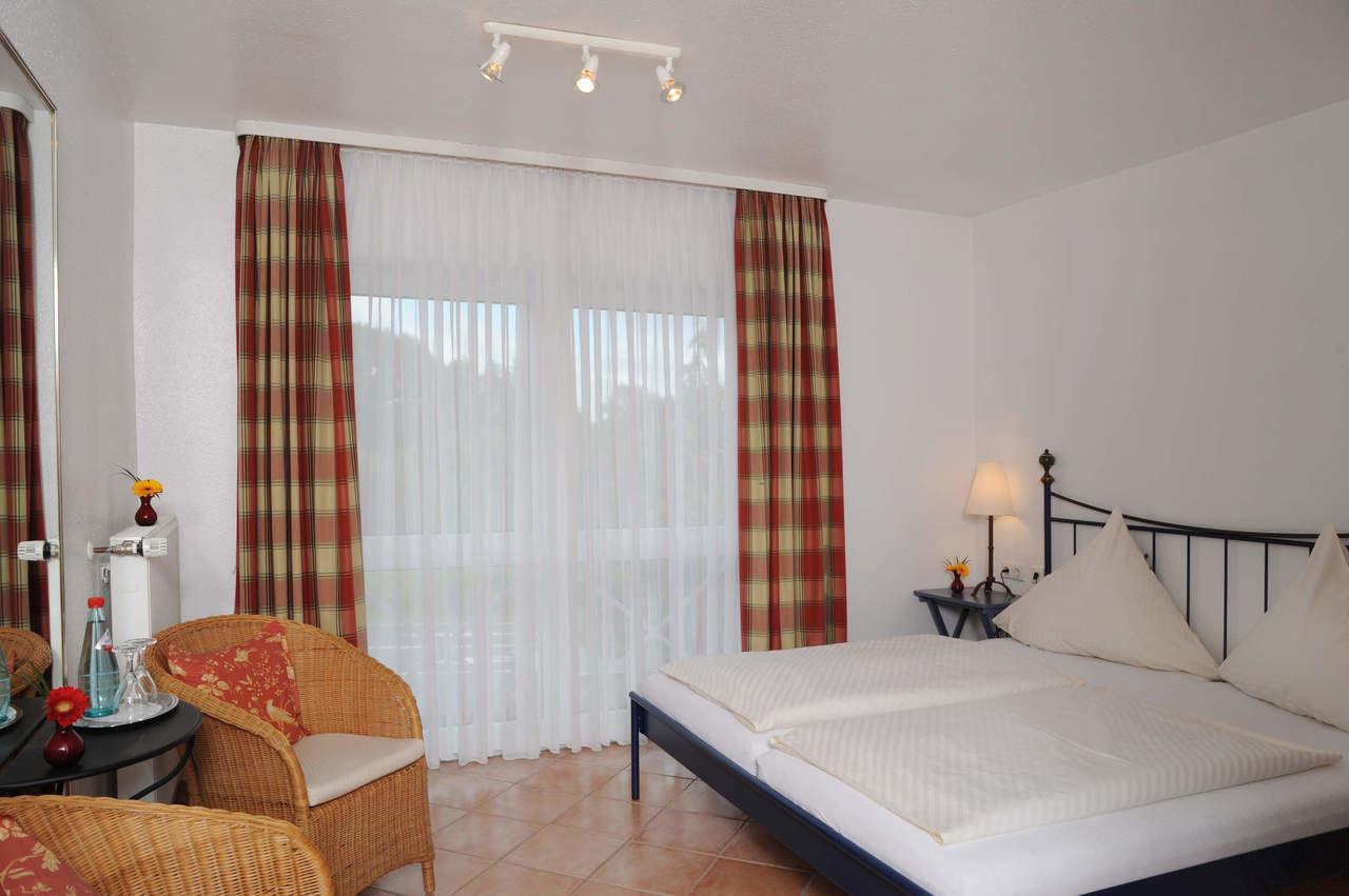hotelbewertungen hotel kaminstube restaurant usingen frankfurt am main urlaub hochtaunus hotels. Black Bedroom Furniture Sets. Home Design Ideas